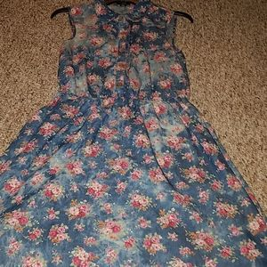 NWOT floral bleached jean dress with pockets